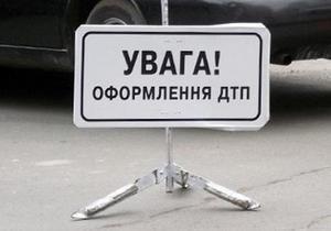 Четыре человека погибли при столкновении трех машин на трассе Киев - Одесса