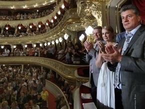 Корреспондент: Украинские политики становятся героями масскульта