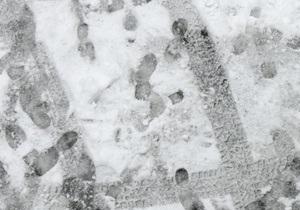 Львовской милиции удалось разыскать грабителя благодаря снегу