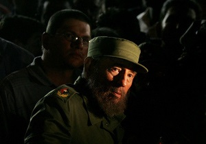 Янукович поздравил Кастро с 87-летием