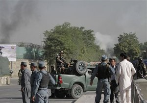 Теракт в Афганистане: жертвами взрыва и консульства Индии стали дети