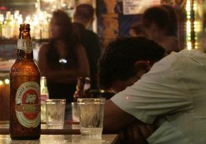 Даже умеренное потребление алкоголя может быть опасным для носителей гепатита С - исследование