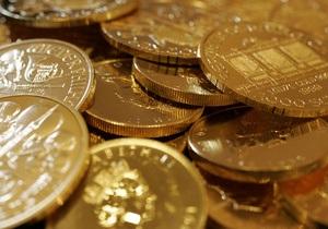 Золото установило новый рекорд, платина достигла трехлетнего максимума