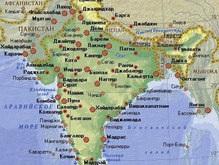 В Индии упал в реку школьный автобус: десятки погибших
