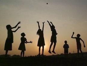 Киевские детские лагеря будут работать до 25 июня