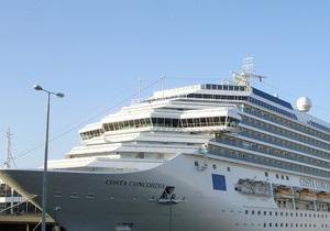 В Италии с круизного судна эвакуировали более четырех тысяч человек