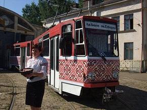 По Львову будут курсировать трамваи-вышиванки