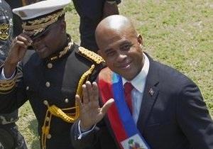 Президент Гаити и бывший певец Мишель Мартелли принес президентскую присягу