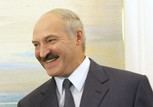 Лукашенко хочет, чтобы каждая белорусская женщина рожала не меньше троих детей