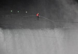 Канадский канатоходец пересек Ниагарский водопад