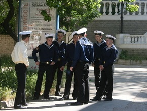 РИА Новости: Милиция ловит офицеров ЧФ РФ без украинских паспортов