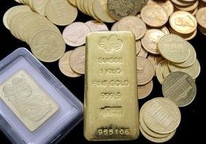В мире рекордно подорожало золото и серебро