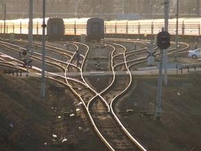 Станция Киев-Жовтневий в Киеве может сдвинуться к обрыву из-за строительства гаражей