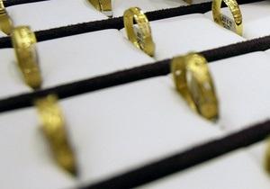 В Донецке неизвестные ограбили ювелирный салон