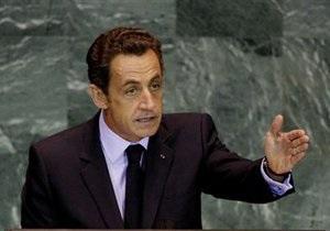 Франция признала противников Каддафи легитимной властью Ливии