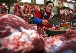 В Китае появилась пищевая добавка, которая  превращает  свинину в говядину