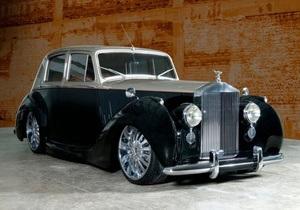 В Киев привезли автомобиль семьи короля Бельгии