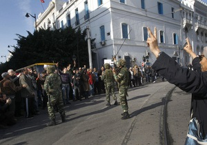 В Тунисе премьер-министр объявил об отставке. В столице произошли столкновения