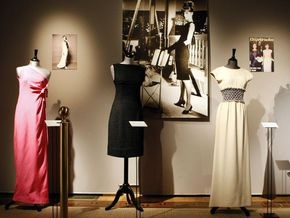 Sotheby s продаст платья Одри Хепберн