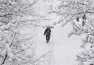 Непогода: в Ровно закрыт аэропорт, 234 населенных пункта остались без света