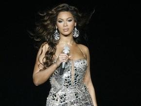 Billboard назвал певицу Бейонсе женщиной года