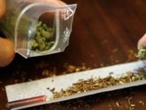 В России милиция тяжело избила парня с небольшим количеством марихуаны