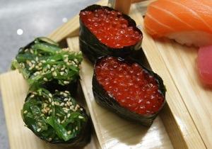 Ученые нашли у японцев уникальные кишечные бактерии для усвоения суши