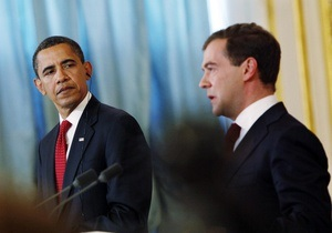 Обама рассказал, из-за чего Медведев пользуется широким уважением