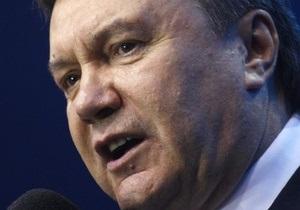 Янукович не спешит с зарубежными визитами: Важней всего - порядок в доме