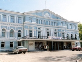 Власти Киева намерены закрыть театральные кассы - Бригинец