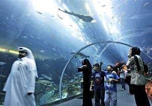 Крупнейший в мире торговый центр эвакуирован из-за трещины в гигантском аквариуме