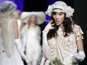 Корреспондент: Украинцы готовы потратить на свадьбу все сбережения