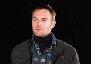Полиция подтвердила, что за рулем сгоревшего Mercedes был актер Емшанов