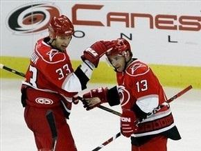 NHL: Шайба Бабчука не спасла Каролину от поражения