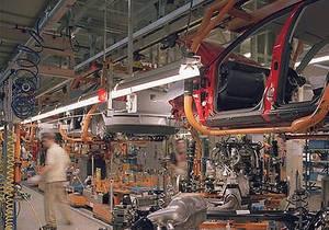Geely планирует построить завод в России
