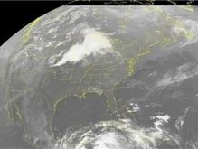 В американском штате Небраска торнадо снес с рельсов поезд