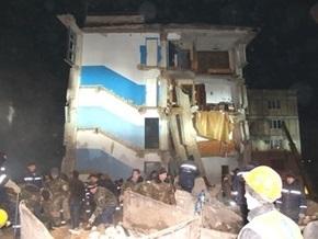 Взрыв в Евпатории: под завалами остаются 35 человек
