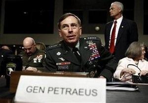 Петрэус стал новым командующим войсками НАТО в Афганистане
