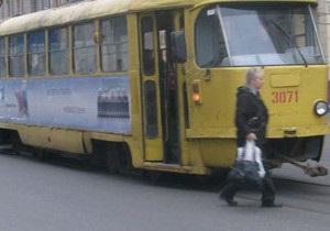 В Харькове трамвай сбил двух женщин