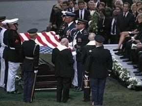 Сенатора Кеннеди похоронили на Арлингтонском кладбище