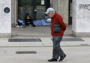 Миллионы впадают в нищету в Италии из-за рецессии - Reuters