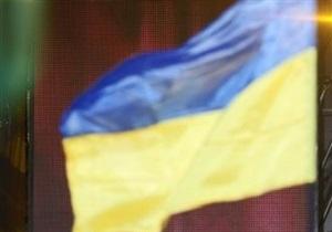 В центре Сум с 22-метрового флагштока украли флаг Украины