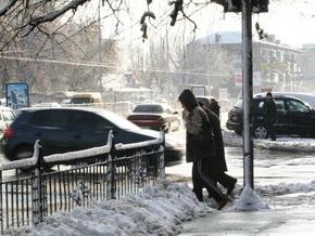 Утром киевские тротуары превратились в каток