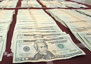 Межбанковский доллар встречает осень на уровне восьми гривен