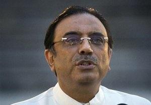 Президент Пакистана для защиты от сглаза совершает жертвоприношения