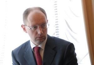 Яценюк отрицает намерение возглавить оппозицию