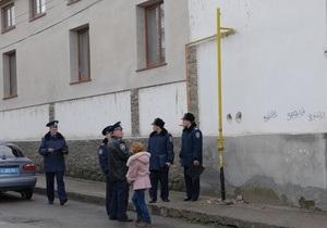 В Крыму здание Духовного управления мусульман осквернили рисунками свастики
