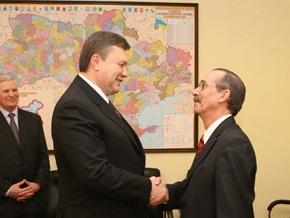 Янукович: Украина должна объединить газовые интересы ЕС и России