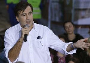 Саакашвили назвал  ненормальным  повышенное внимание Медведева к его персоне