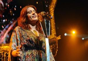Группа Florence + The Machine выставила на аукцион свой концерт